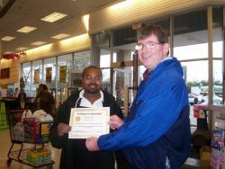 Roderick Lamar Receives Customer Service Award