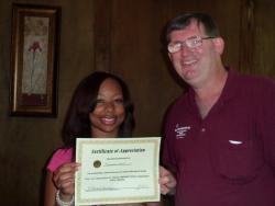 Steak Pit's Tamecca Smith recognized for outstanding customer service