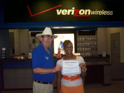 Verizon Wireless works honored for exceptional customer service